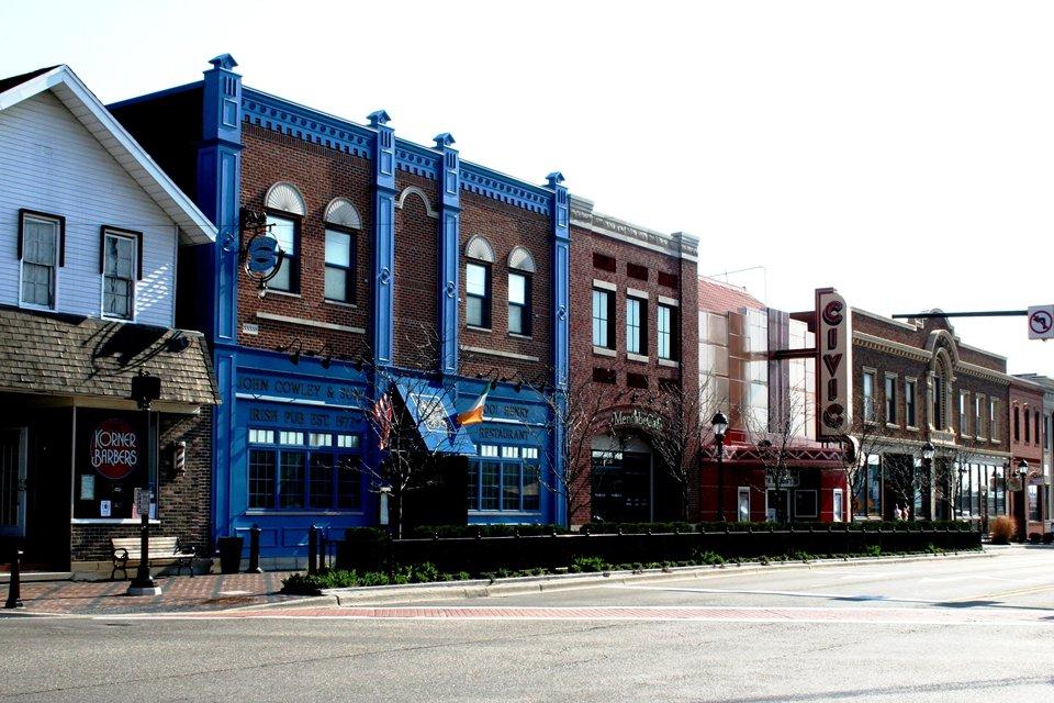 Discover Detroit Area Homes For Sale - Farmington Michigan